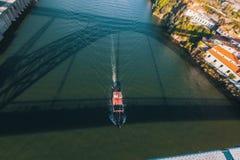Douro rzeka od Dom Luis Porto, przerzucam most Zdjęcia Stock