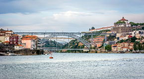 Douro rzeka Widok Serra robi Pilar Luis i monasterowi przerzucam most fotografia royalty free