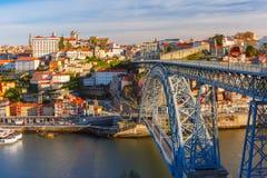 Dourorivier en Dom Luis-brug, Porto, Portugal Royalty-vrije Stock Foto