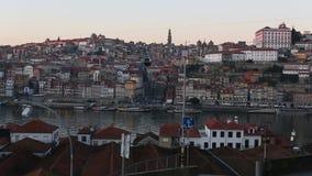 Dourorivier en Ribeira, Porto stock footage
