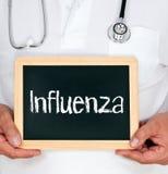 Doutor com sinal da gripe Fotografia de Stock Royalty Free