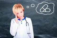 Doutor da mulher Conceito dos comprimidos Imagens de Stock