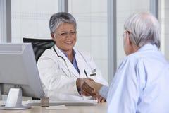 Doutor e paciente Fotografia de Stock