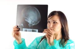 Doutor fêmea com raio X #7 fotos de stock royalty free