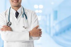 Doutor masculino no hospital Imagem de Stock Royalty Free