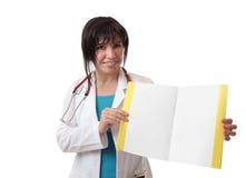 Doutor que mostra a informação Fotos de Stock Royalty Free
