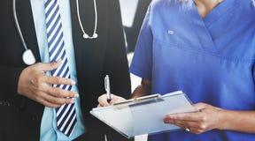 Doutor Team Diagnosis Operation Medication Concept fotos de stock