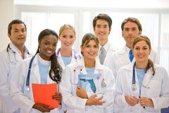 Doutores em um hospital Fotografia de Stock Royalty Free