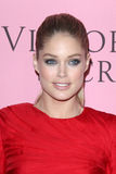 Doutzen Kroes kommt in Victoria's Secret an, was reizvoll ist? Party Lizenzfreies Stockfoto