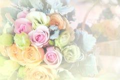 Doux brouillé du style rose de couleur en pastel de fleurs Photo libre de droits