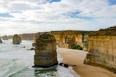 Douze apôtres, Australie, égalisant la lumière aux apôtres de la formation de roche douze Images stock