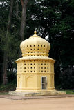 Dovecote perto da entrada do palácio de verão de Tipu imagens de stock royalty free