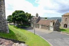 Dover Castle, Dôvar, Kent, Reino Unido - 17 de agosto de 2017: Vista interna o imagens de stock royalty free
