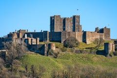 Dover Castle i sydostliga England Arkivbilder