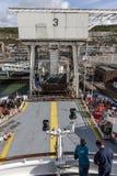 Dover/Engeland - Juni 12, 2011: Toerist die op veerboot in Dover, Engeland kanaal wachten te kruisen Royalty-vrije Stock Fotografie