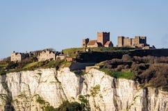 Dover, Engeland, wit klippen en kasteel Stock Foto
