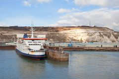 Dover harbour and white cliffs Stock Photography
