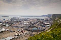 DOVER UK - APRIL 12, 2014: - Dover port, mest upptagen port av England fick planet för att bygga den tredje terminalen Royaltyfri Fotografi