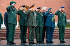 Dowódca siły naziemne Zjednoczone Emiraty Arabskie, generał dywizji Saleh Amy i dowódca, szef ziemia - wewnątrz - Fotografia Royalty Free
