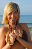 dowcipny plażowa kobieta zdjęcia royalty free