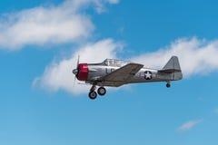 Down för kugghjul AT-6 för att landa Fotografering för Bildbyråer