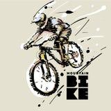 downhill bike la prospettiva biking della montagna delle mani della foresta del fuoco del campo di profondità del ciclista poco p royalty illustrazione gratis
