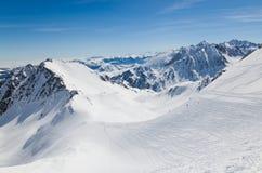 Downhills im Winter Pyrenäen Stockbild