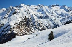 Downhills no inverno Pyrenees Fotos de Stock Royalty Free