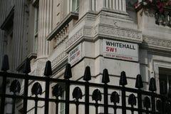Downing Street, esquina de Whitehall Imágenes de archivo libres de regalías