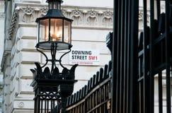 Downing Street undertecknar in Westminster Arkivfoton
