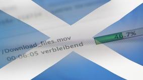 Downloading archiviert auf einem Computer, Schottland-Flagge stock footage
