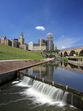 Downtown Minneapolis and Stone Arch bridge 1 Stock Photos