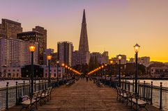 Downtown San Francisco and the Transamerica Pyramid at Chrismas Royalty Free Stock Photos