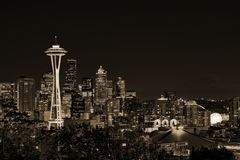 Downtown Seattle skyline with view of Mt. Rainier Stock Images