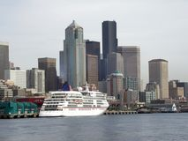 Downtown Seattle, WA. Shington, seen from Puget Sound, cruise ship at dock Stock Photos