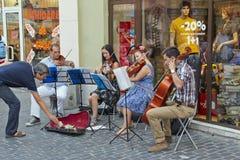 演奏dowtown的弦乐四重奏 免版税图库摄影