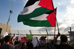 Dozens Artsen proberen om Gaza van Israël in te gaan Stock Foto's