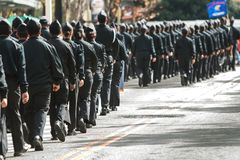 Dozens van ROTC-Kadettengang bij de Parade van de de Veteranendag van Atlanta Stock Afbeeldingen