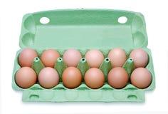 Dozijn eieren in een doos stock fotografie