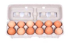 Dozijn organische eieren in een doos royalty-vrije stock foto