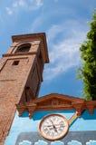 Dozza Италия: Деталь старой деревни Город в области эмилия-Романьи известной для своих настенных росписей и замка стоковая фотография