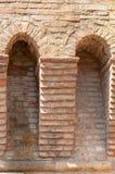 Dozza Italia: Dettaglio antico della porta del castello fotografia stock