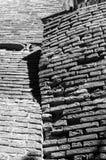 Dozza Italien: Detalj av den forntida byn Stad i den Emilia Romagna regionen som ?r ber?md f?r dess v?ggm?lningar och slotten arkivbild