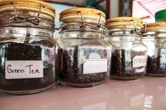 Dozzina caffè e tè verdi arrostiti Immagine Stock Libera da Diritti