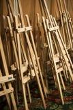 Dozzine di di legno fotografie stock