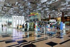 Départ Hall du terminal d'aéroport de Changi 3 Images libres de droits