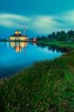 DQ meczet podczas błękitnej godziny Obrazy Royalty Free