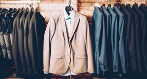 Dräkt för affär för dräkt för formella kläder för män flott royaltyfria foton