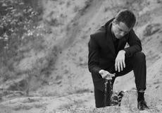 dräkt för elegant man för cast min öppen fotografering för bildbyråer