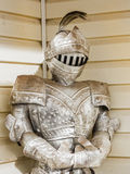 dräkt för sugrör för metall för armorhjälmar medeltida Arkivfoton
